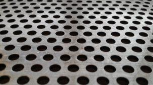 Equipamentos industriais: qual a função das chapas perfuradas?